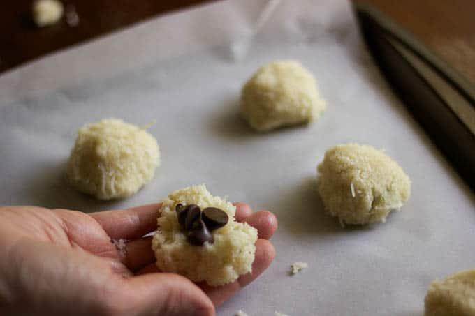 coconut lime macarons | saltedplains.com