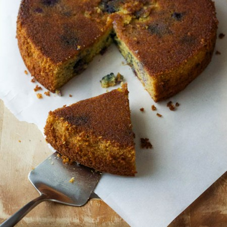 Blueberry Olive Oil Upside-Down Cake {gluten-free} | saltedplains.com