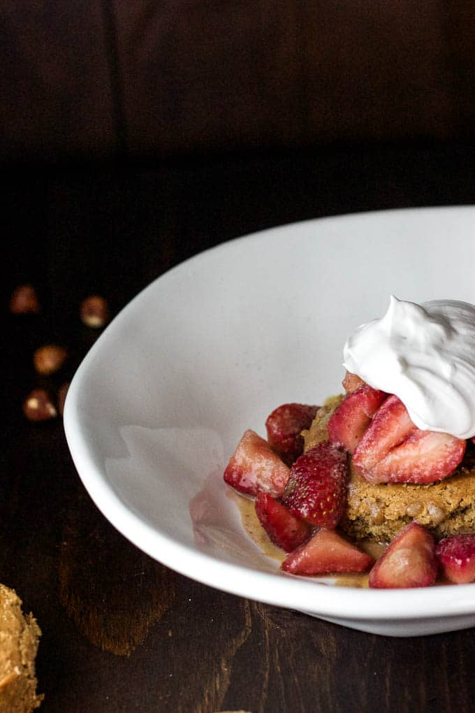 Hazelnut Shortcakes with Caramel Strawberries {gluten-free, dairy-free and refined sugar-free!} | saltedplains.com