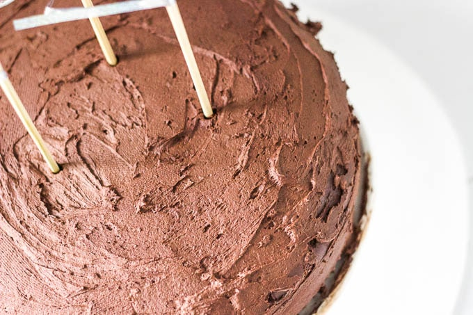 A chocolate lovers cake! Gluten-free + refined sugar-free | saltedplains.com