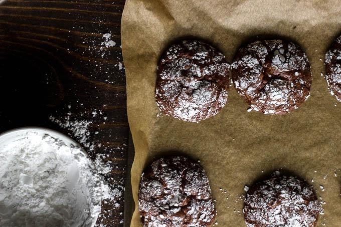 gluten-free dark chocolate crinkle cookies-10