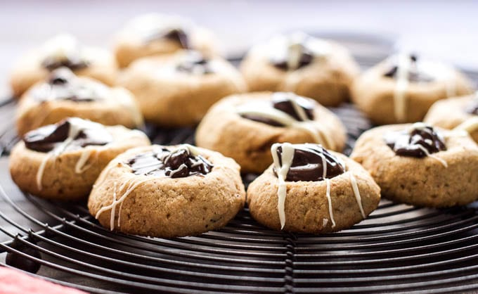 Hazelnut Thumbprint Cookies w/ Dark Chocolate #glutenfree | saltedplains.com