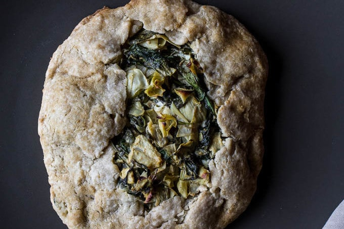 Spinach and Artichoke Galette #glutenfree | saltedplains.com