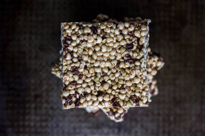 Millet Buckwheat Crispy Treats with Cacao Nibs #glutenfree | saltedplains.com