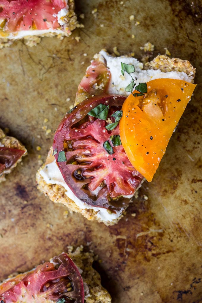 Heirloom Tomato and Ricotta Tart with a Cornmeal Almond Crust #glutenfree | saltedplains.com