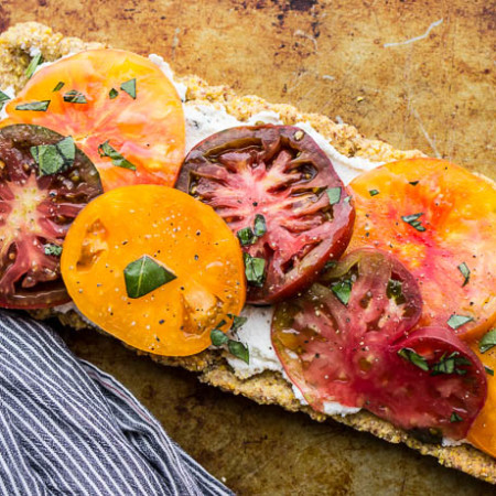 Heirloom Tomato Tart with Ricotta and Cornmeal Crust (gluten-free) | saltedplains.com