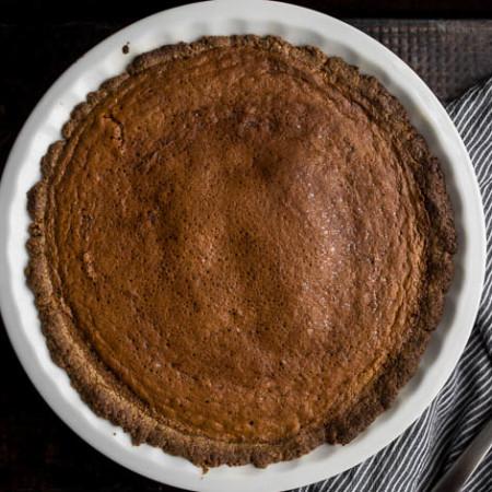 Carrot Pie with Walnut-Oat Crust (gluten-free, dairy-free, refined sugar-free) |saltedplains.com