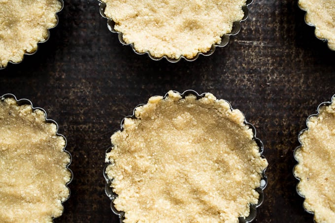 Pomegranate Pistachio Tarts (gluten-free, vegan) | saltedplains.com