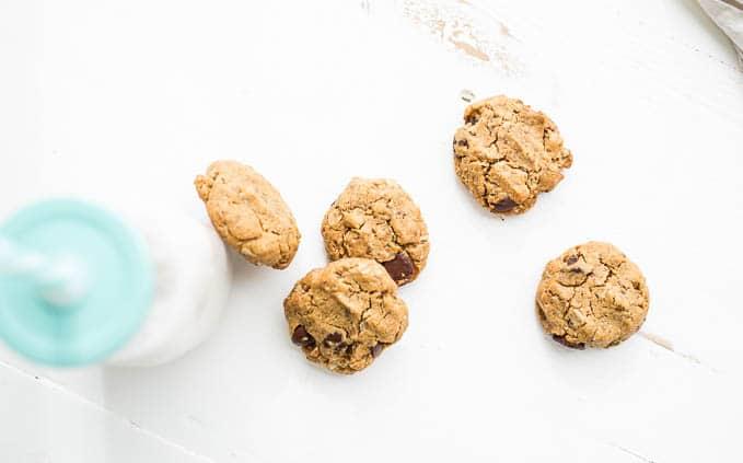 Gluten-Free Peanut Butter Oatmeal Chocolate Chip Cookies (vegan) | saltedplains.com