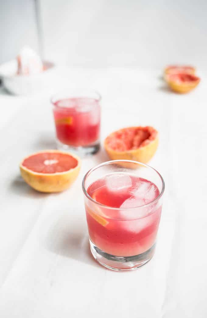 Hibiscus Grapefruit Cocktail | saltedplains.com