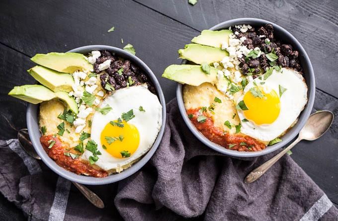 Huevos Rancheros Polenta Bowl (gluten-free) | saltedplains.com