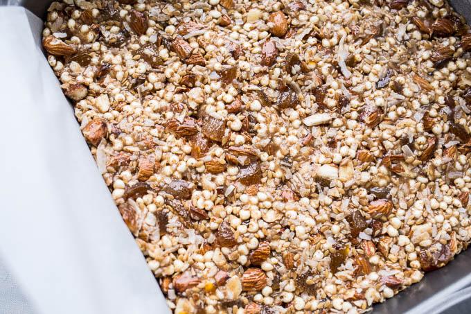 No Bake Apricot Almond Granola Bars (Gluten-Free) | saltedplains.com