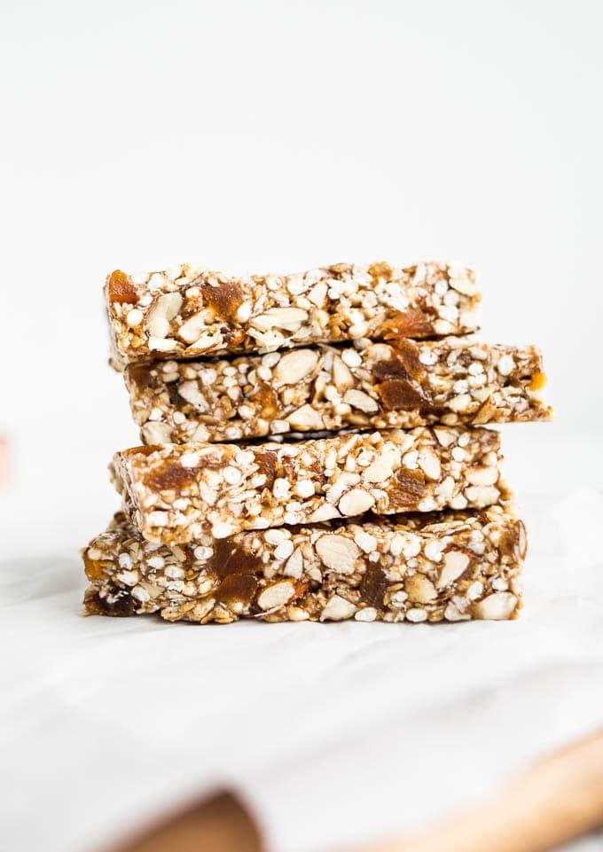 No Bake Apricot Almond Granola Bars Recipe (Gluten-Free) | saltedplains.com