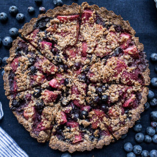 Mixed Berry Crumble Tart (gluten-free, vegan, refined sugar-free)   saltedplains.com