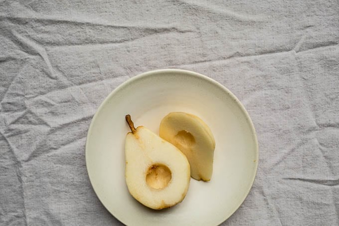 Hasselback Pears Recipe (gluten-free, vegan, refined sugar-free) | saltedplains.com