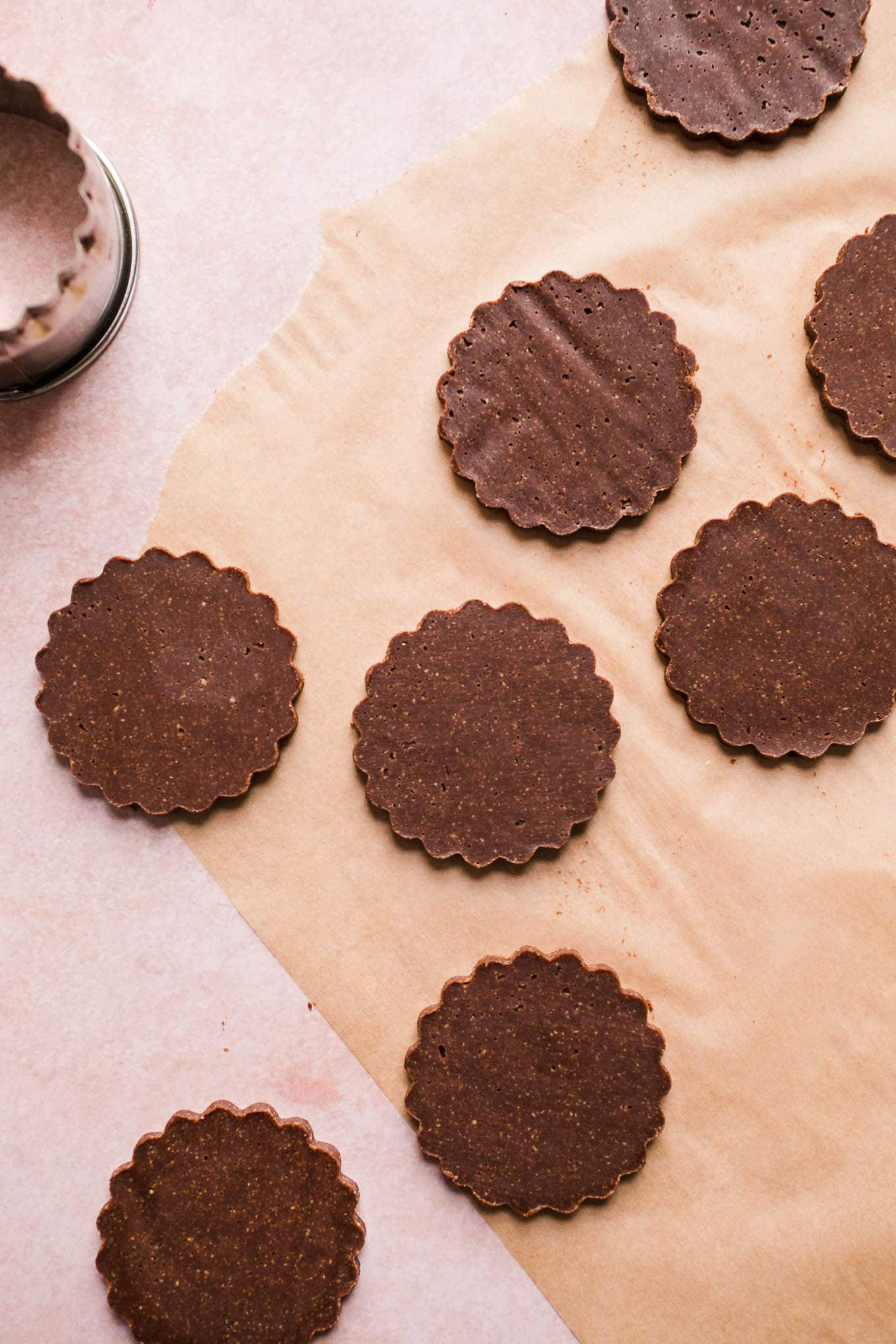 No Bake Chocolate Maca Cookies made with almond flour, cacao powder, maple syrup, coconut oil, and superfood maca powder. Gluten-free, vegan, refined sugar-free.