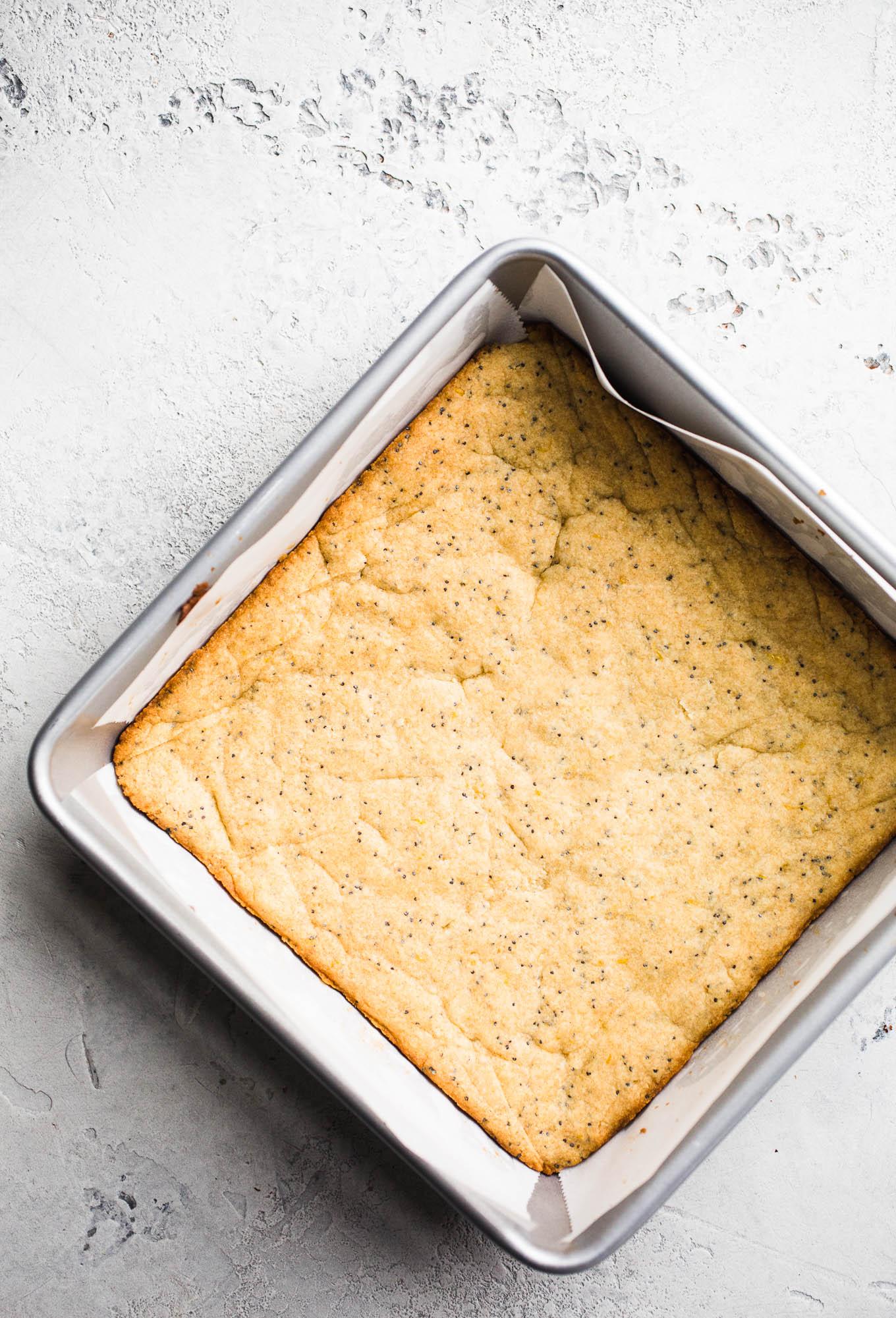 Vegan Lemon Poppyseed Snack Cake