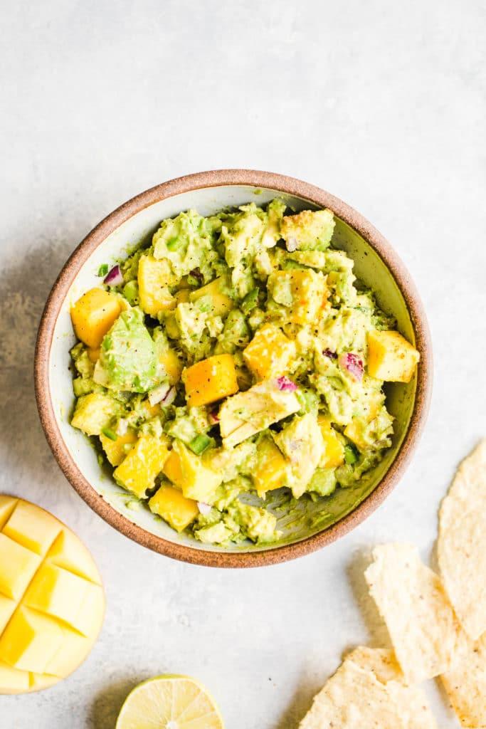 guacamole with mango