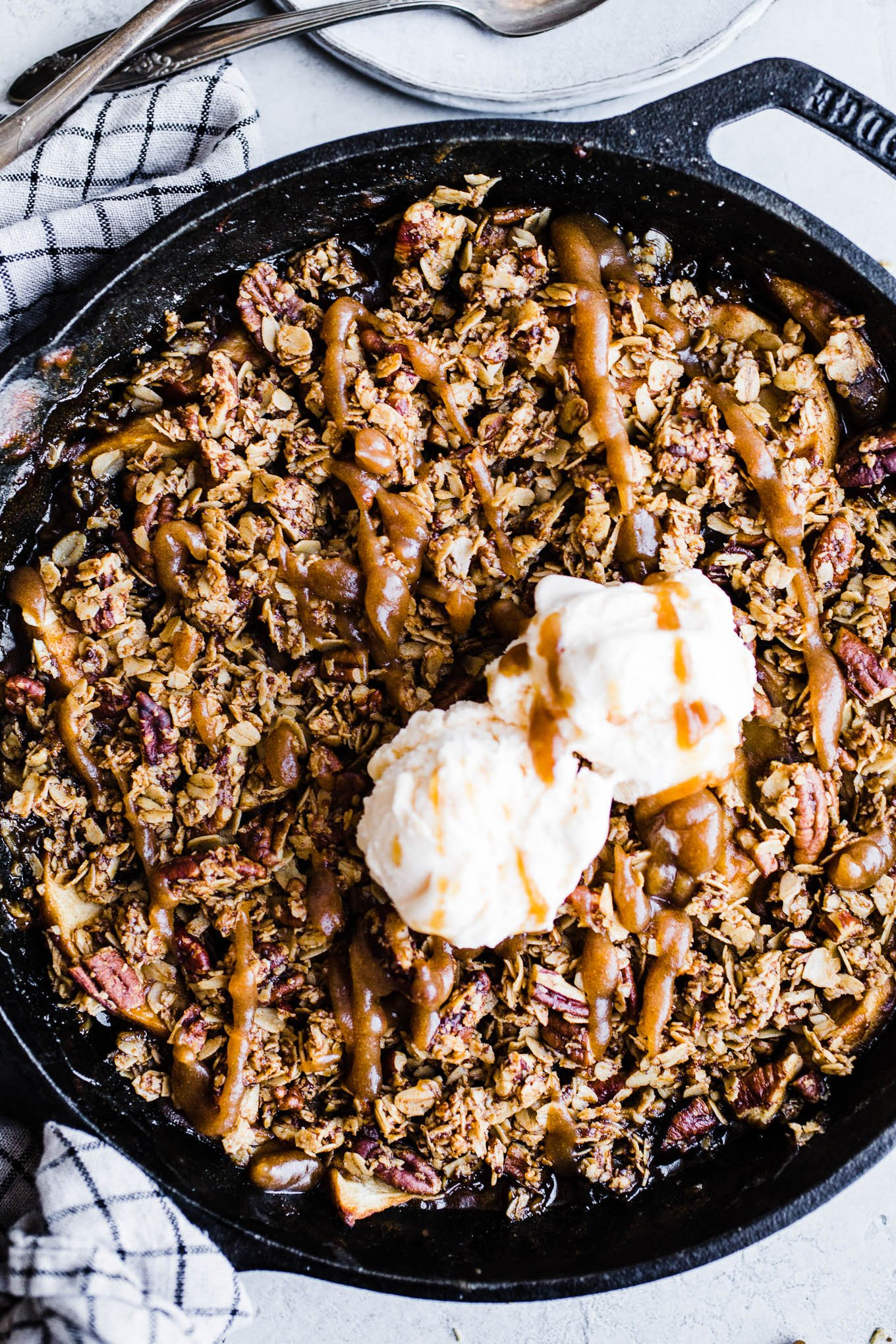 Caramel Apple Skillet Crisp