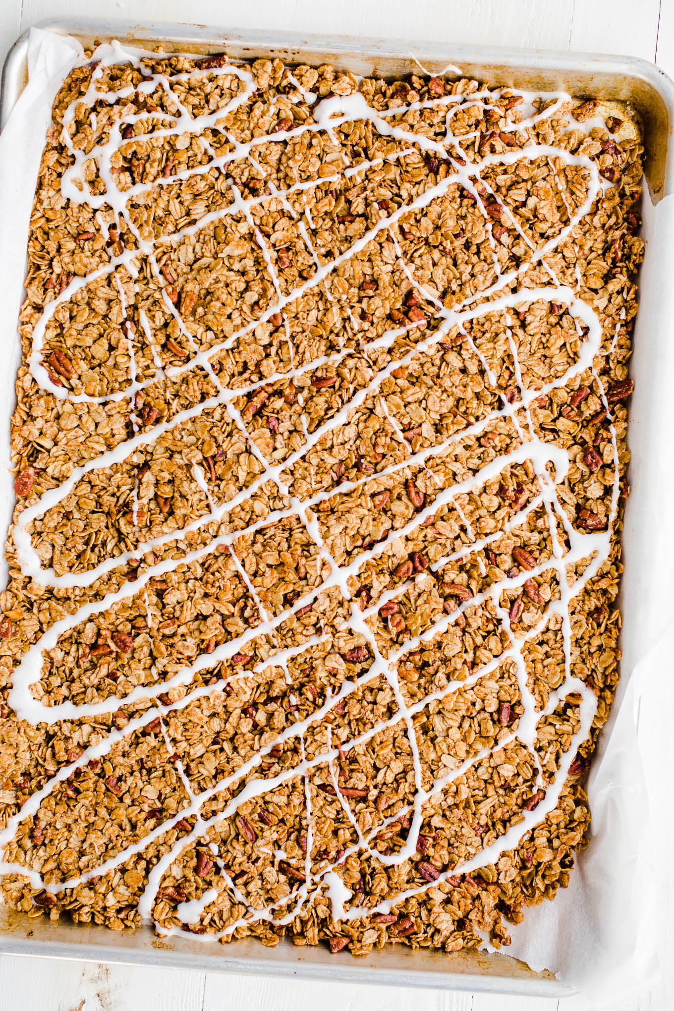 cinnamon roll granola with icing