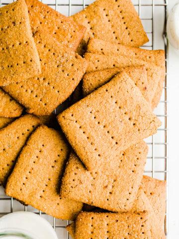 graham crackers on rack