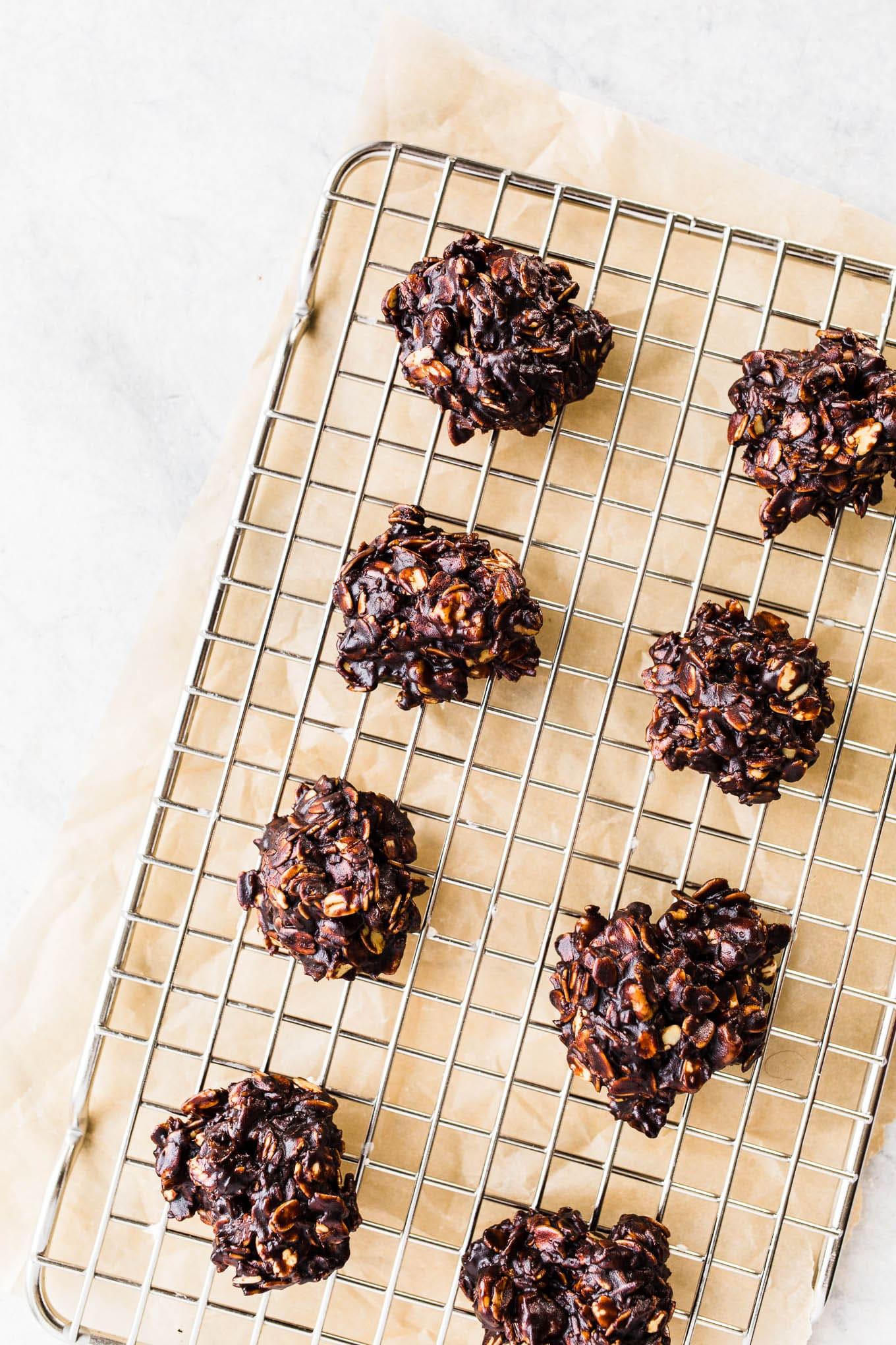 chocolate oat no-bake cookies